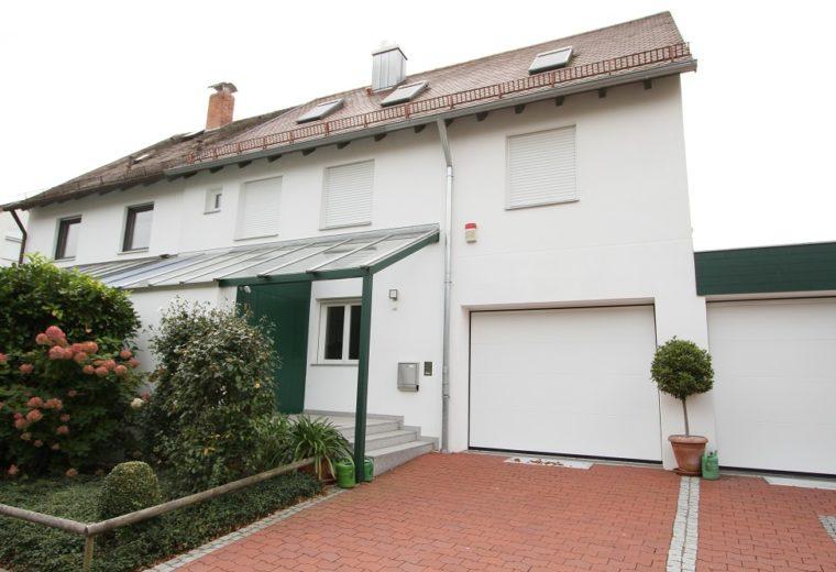 Doppelhaushälfte in Landshut-West