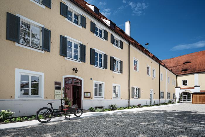 Schöne 2-Zimmer-Wohnung mit Balkon, im Zentrum von Wörth an der Isar