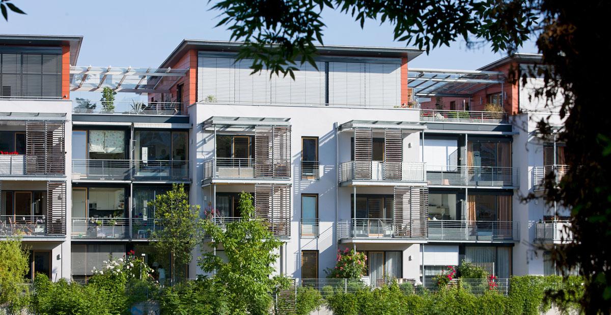 Stadtnahe Lage - gelungene Architektur - zukunftweisende Wohnbebauung in der Karlstraße durch Immobilien Partner Landshut