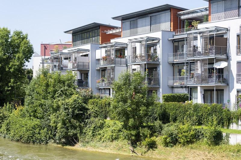Stilvolle 2-Zi.-Wohnung mit Terrasse, EBK, TG in Top-Lage an der Isar